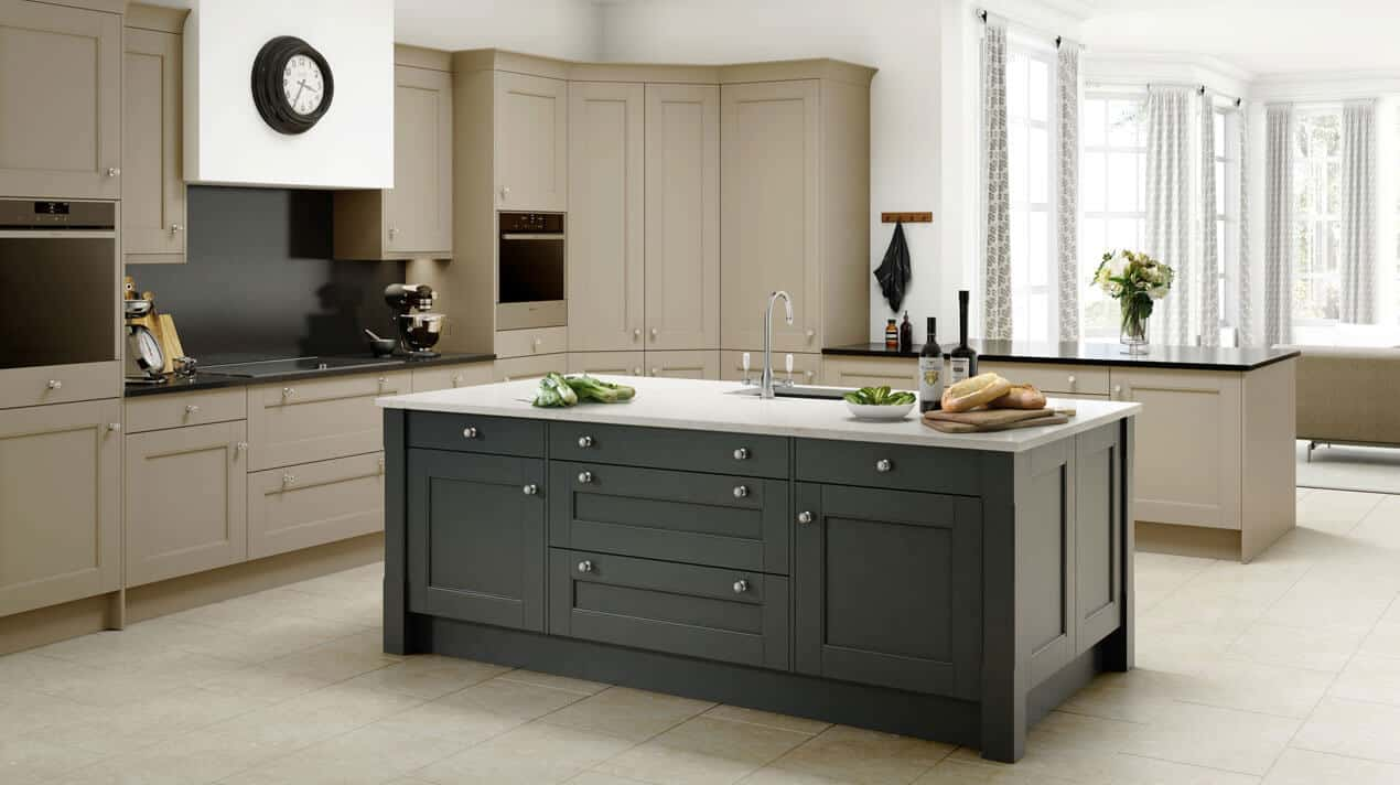 large kfitted kitchen design